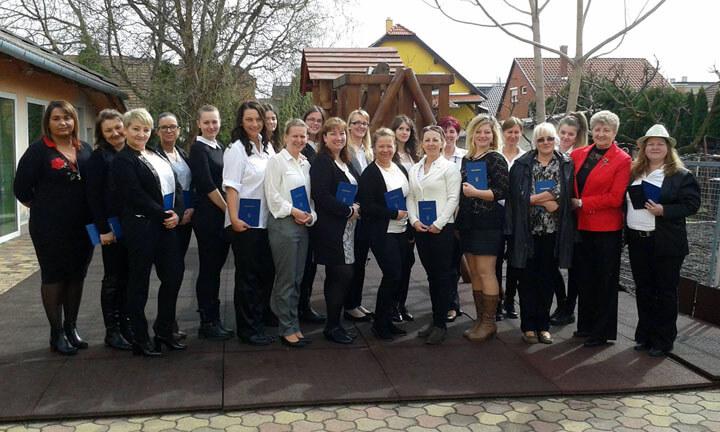 A győri Pedagógiai- és családsegítő munkatárs képzés 2017. márciusi végzősei